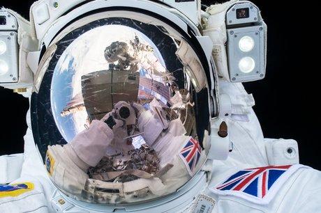 Tim Peake's first spacewalk