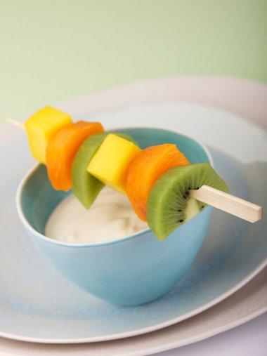 Fruit kebab with yogurt