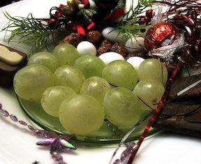 mfl nochevieja grapes.jpg